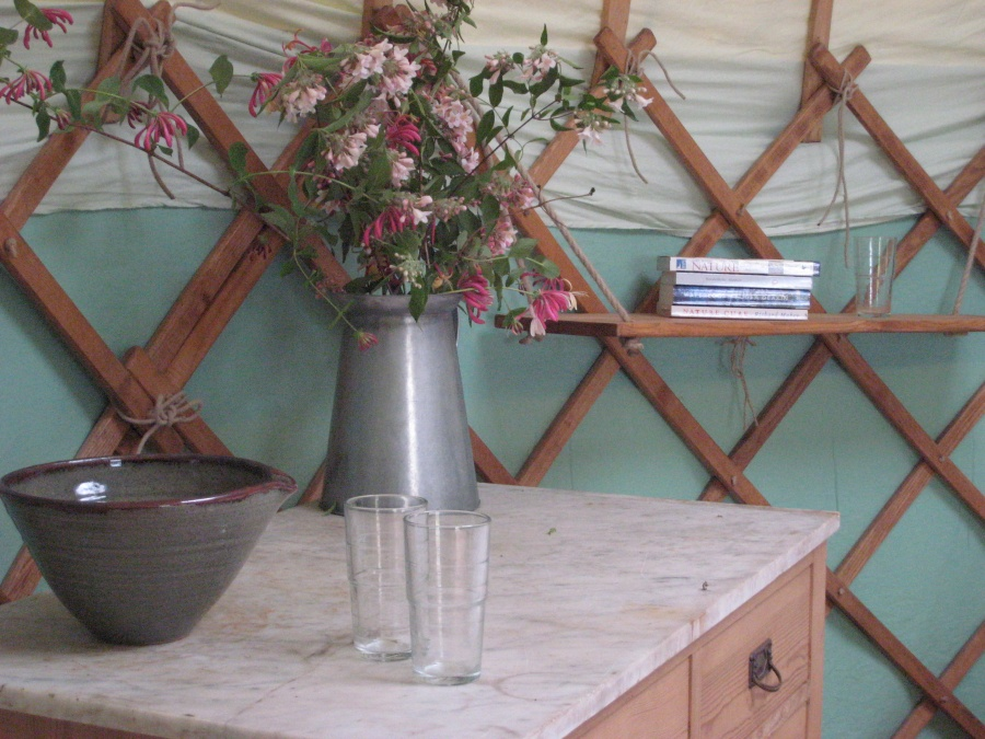 Romantic Barn Owl yurt - perfect for a Honeymoon!